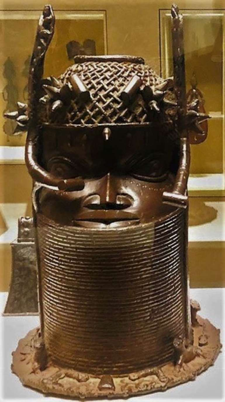 Commemorative head, Benin, Nigeria, looted in 1897, now in Musée du quai Branly, to be restituted to Nigeria.