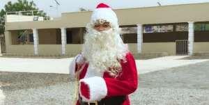 Actress, Nadia Buari Celebrates Christmas with Orphanage (photos)