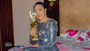 Actress, Mary Uche Wins Award at Nollywood Entertainment And Leadership Awards