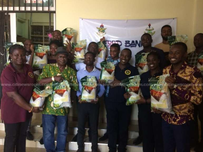 1262019100603-l5hsk8v331-knust-alumni-donate-local-rice-to-food-bank-1.jpeg