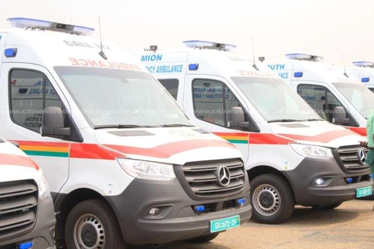128202053604-1h830n4ayt-nana-addo-commissions-307-ambulances-4