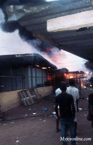 Eyewitnesses Claim Refuse Container Caused Ho Central Market Fire