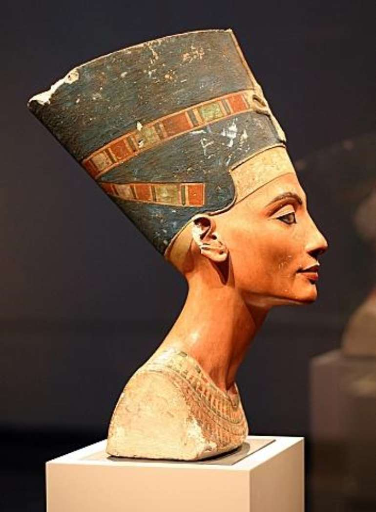 Nefertiti, Egypt, now in Neues Museum, Berlin, Germany<br>