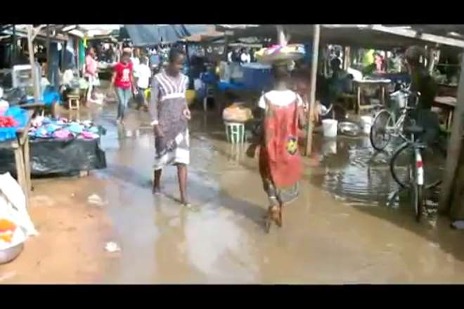 28201872756 state of sampa market anytime it rains