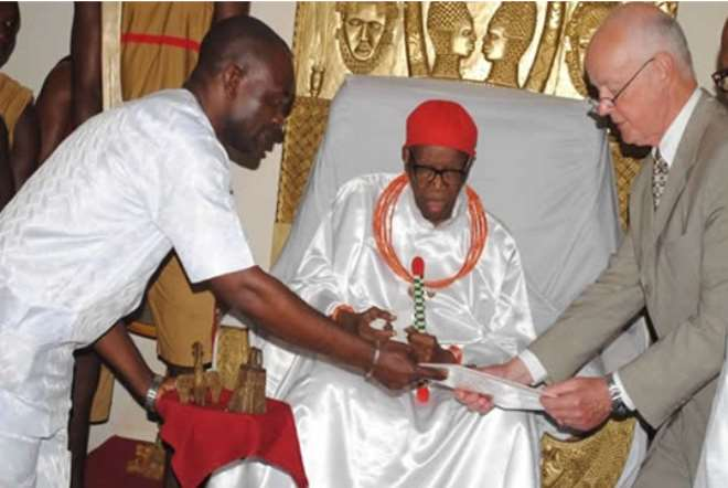 Dr. Walker (Right) Presenting To The Oba A Diary Of His Great Grand Father On The British Invasion Of The Benin Kingdom In 1897