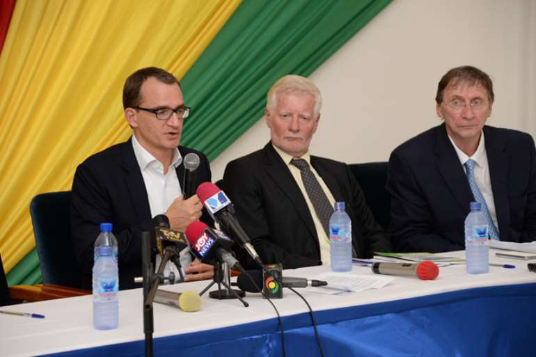 <strong>Daniel Jaeger</strong>, vice president of Alcatel-Lucent in Africa addressing the media flanked to the right by Mr. <strong>Jan Plenge</strong>, export director, Alcatel-Lucent Denmark and <strong>Wolfgang Pfaff</strong>, General Project Manager Alcatel-Lucent