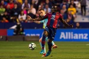 Emmanuel Boateng in action for Levante