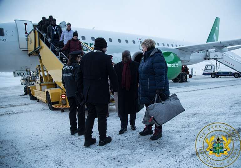 2272020120604-1h830o4bau-nana-addo-north-pole-1