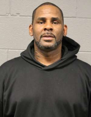 R Kelly Faces Charges For Failing To Pay Child Support