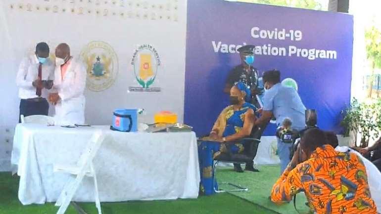 312021123603-k5frj7u2h1-bawumia-and-samira-receive-vaccine-2