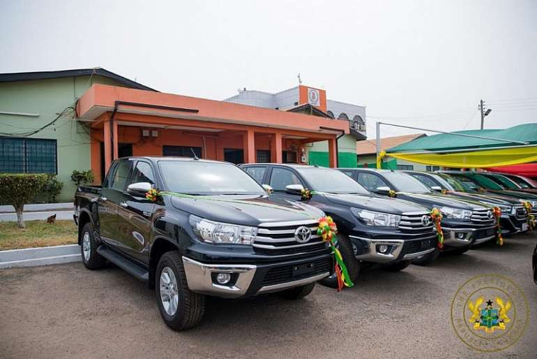 319202173603-0g830n4yyt-akufo-addo-presents-40-vehicles-to-nadmo1-1024x683