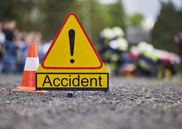 329202054210-ptkwn0y442-accident-sign-3-576x430