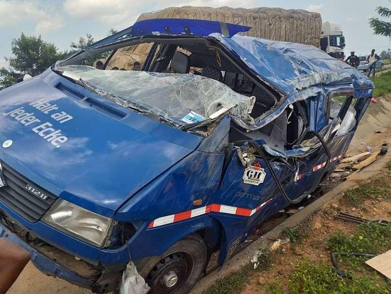 4122021103606-1i841p5cbv-obretema-crash-3