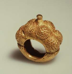 Asante gold ring, Ghana, now in Afrika Museum, Berg en Dal, Netherlands.