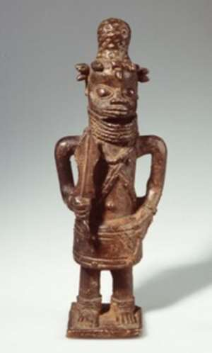 Statue of a court clerk, Benin, Nigeria, now in Volkenkunde Museum, Leiden, Netherlands.