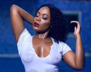 Media Girl, Moet Abebe Goes Near Unclad, Flashes N1pple (photos)