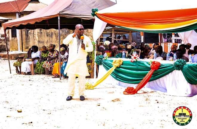 Mr. Mozart Kweku Owuh (MCE) addressing the gathering