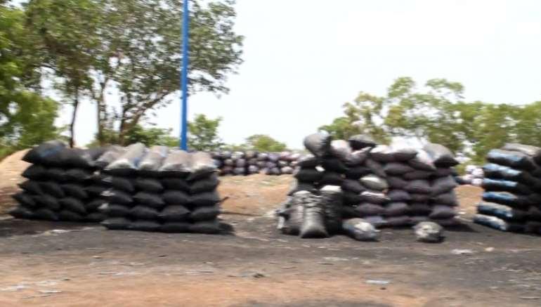 430202190602-l5gsj7u3i1-buipe-chief-closes-down-charcoal-market-2.jpeg