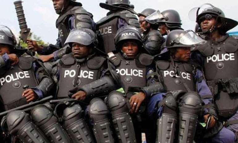 512202053605-0f72ylkxxs-police-deployment