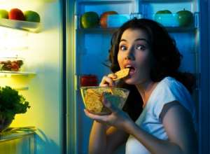 5 Foods You Should Never Eat Before You Sleep