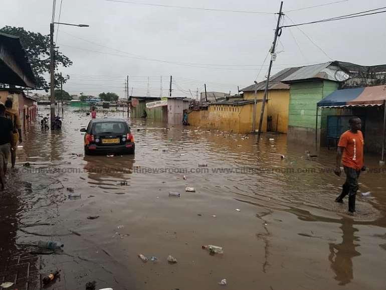 69202090606-23041q5ddx-flooding-in-accra-2020-3.jpeg