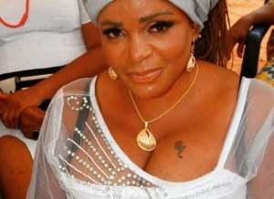 Actress, Cossy Orjiakor Beaten up by Neighbour's Hubby (photos)