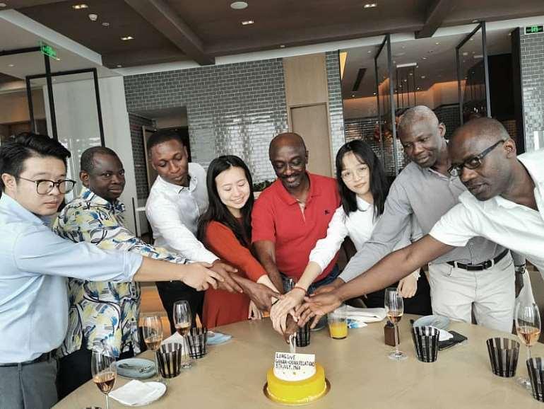 762020113604-n6iul8w331-ghana-china-60-years-anniversary-cake.jpeg