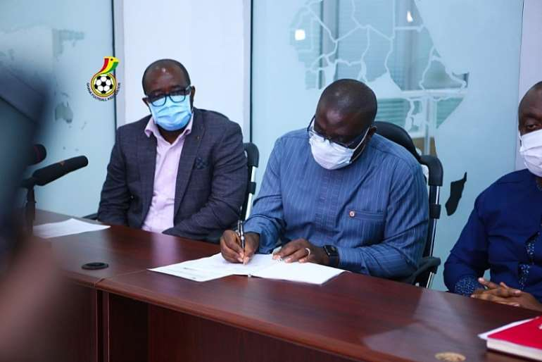 79202031055-j5fqi7t2g0-gfa-and-yea-sign-mou-for-womens-premier-league2-1024x683