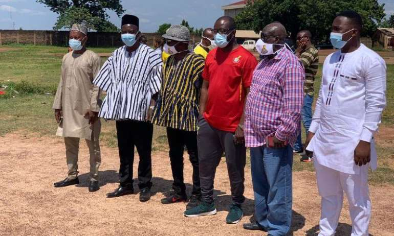 86202021244-h40o2r6eey-gfa-president-and-members-at-tamale-for-borehole-project