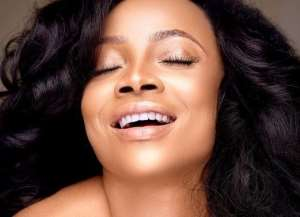 OAP, Toke Makinwa Goes Nude to Promote her Skin Product (photos)