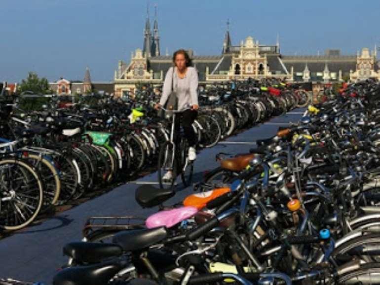 8112018100130 amsterdam2bbicycle2b1