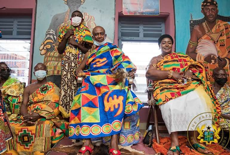 812202144748-23041r5ddx-nana-afari-mintah-chief-of-chiraa-together-with-the-queen-mother-of-chiraa