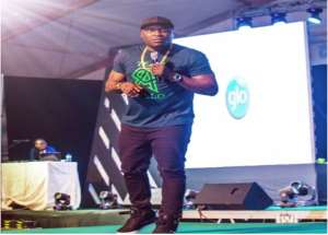 DKB Excites Audience @ Glo LafftaFest Show