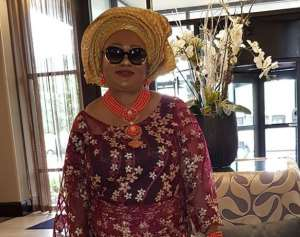 Movie Producer, Yemisi Banjoko with friends Disturbs US with Fashion Outfit