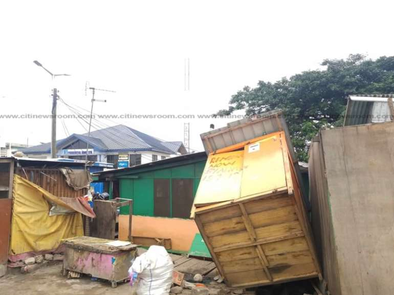 822019113603-qvmxpcb553-illegal-structures-along-the-odorkor-highway-4.jpeg