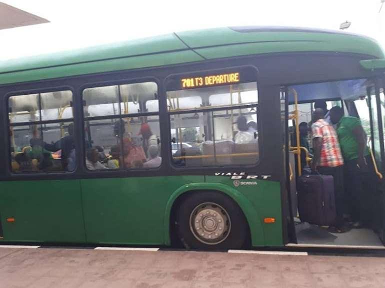 82201980604-n6iul8w331-aayalolo-buses-at-airport-6-1024x767.jpeg
