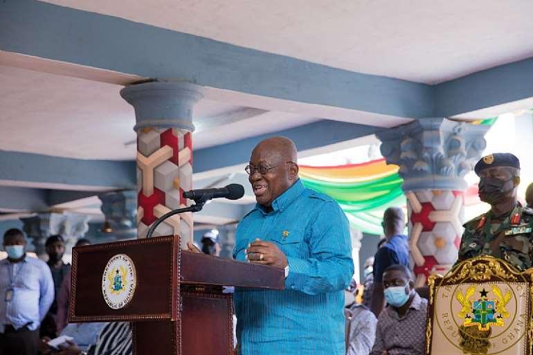 96202122332-n6ium8x432-president-akufo-addo-addressing-the-chief-of-sefwi-akontombra-kwabena-ebii-ii