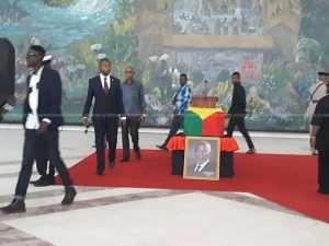 Mourners Claim Kofi Annan's Closed Casket Worrying