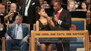 Aretha Franklin: Bishop Apologises For 'Groping' Ariana Grande