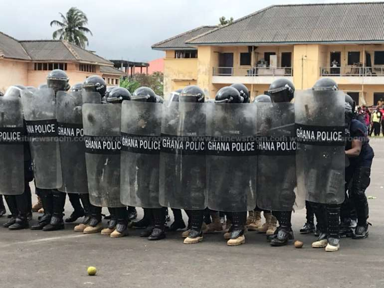 923202083603-swnaqecp5k-we-are-ready-to-crack-the-whip-on-election-day-igp2