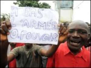 Guinea bans 'subversive' meetings