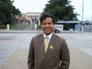 In front of the UN head office in Geneva of Switzerland.