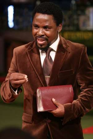 FAKE NIGERIAN PROPHET CLAIMS TO BE MESSIAH !