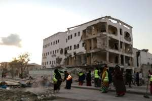 The attack began on Thursday evening when an Al-Shabaab militant in a car blew himself up, causing a huge blast that ripped the front off a major hotel. By Abdirazak Hussein FARAH (AFP)