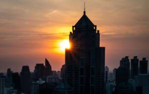 The first sunrise of the new decade appears over the skyline of Bangkok on January 1, 2020..  By Mladen ANTONOV (AFP)