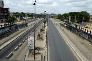 The Ikorodu expressway was deserted.  By PIUS UTOMI EKPEI (AFP)