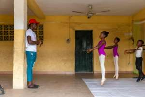 The school is the brainchild of self-taught ballet aficionado Daniel Ajala, who pays for it out of his own pocket.  By Benson Ibeabuchi (AFP)