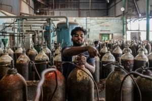 There are growing concerns of an oxygen shortage among Bangladesh's hospitals.  By MUNIR UZ ZAMAN (AFP/File)