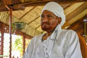 Veteran Bashir opponent Sadiq al-Mahdi warned Sudanese protesters against provoking the military.  By OZAN KOSE (AFP)