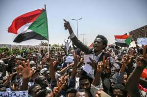 With the ousting last month of Sudanese president Omar al-Bashir in a popular uprising, when civilians massed outside the army headquarters in Khartoum, a major backer of the South Sudan peace deal is gone. By OZAN KOSE (AFP)